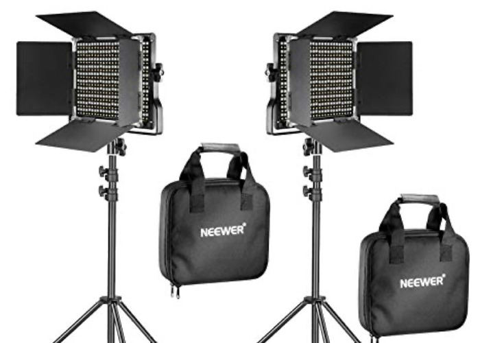Neewer 2 Pack 660 Lights with batteries - 1