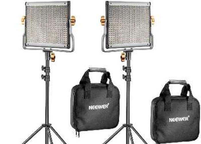 Neewer 2 pack dimmable video light + 4 x 8800mah batteries. - 1