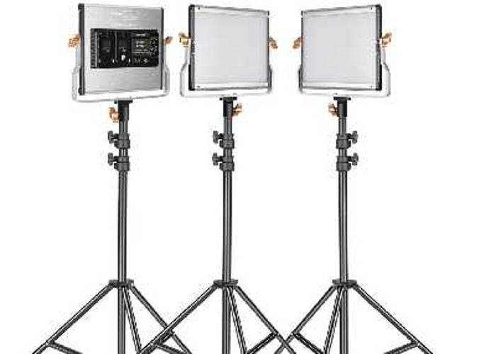 Neewer 3 pack dimmable video light + 6 x 8800mah batteries - 1