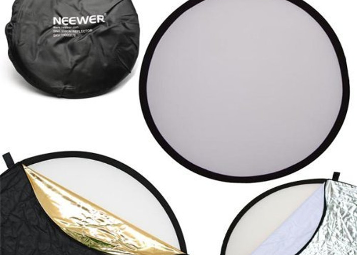Neewer 43-inch / 110cm 5-in-1 Collapsible Reflector - 2
