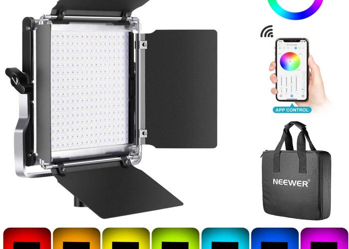 Neewer 660 RGB Led Light with U Bracket/Barndoor - 1