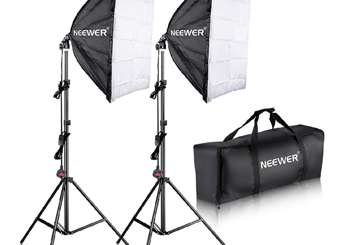 Neewer 700W professional lighting  - 1