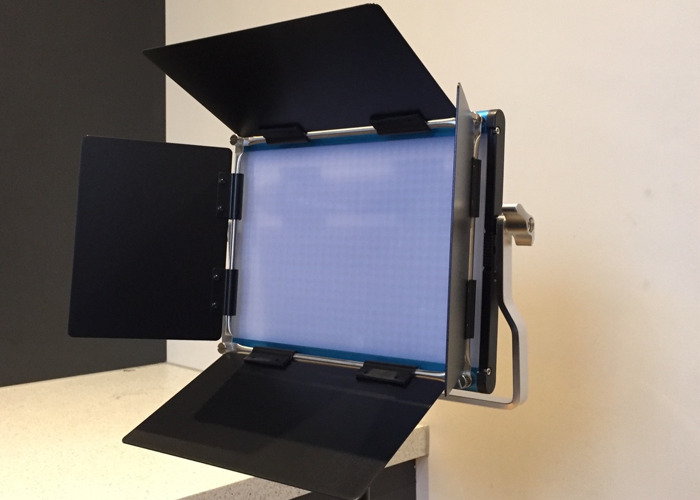 LED Panel (Dimmable, Bi-color 660 LEDs) with Reflector  - 1