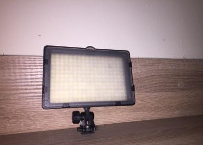 Neewer LED light  - 1