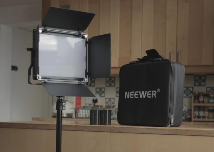 Neewer LED panel light - 1