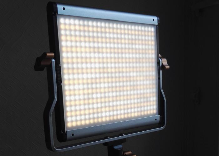Neewer LED Video Light - 2