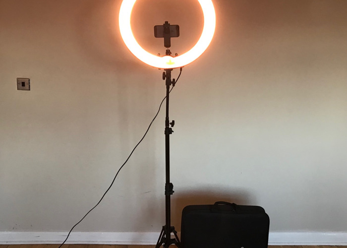 """Neewer Ring Light Dimmable 18"""" 75W w/ Case - 2"""