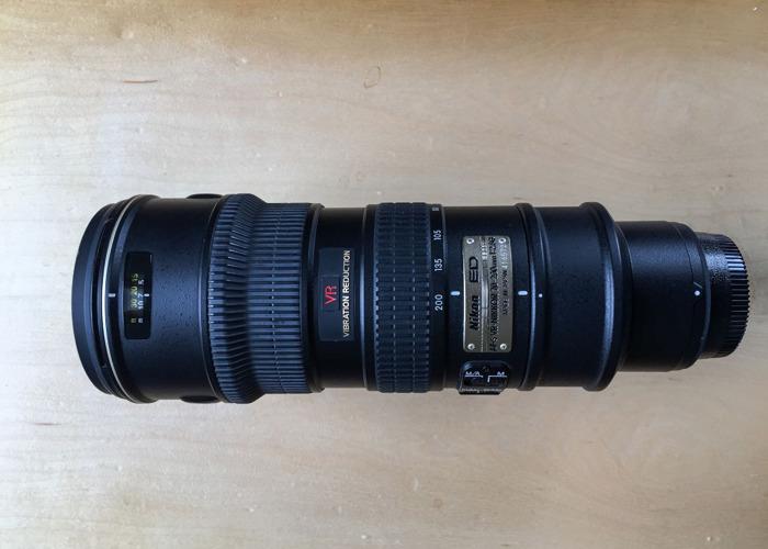 Nikon 70 - 200mm AF-S  VR 1:2.8G Lens - 1