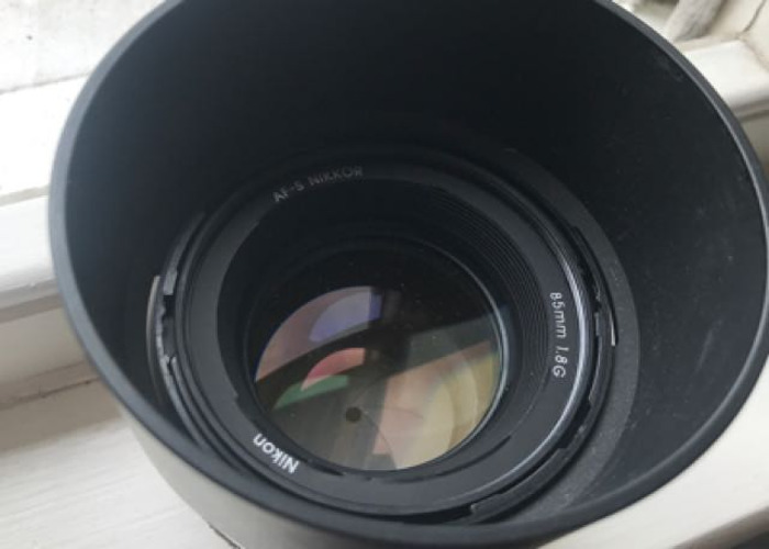 Nikon 85mm F1.8G in AMAZING Condition - 2