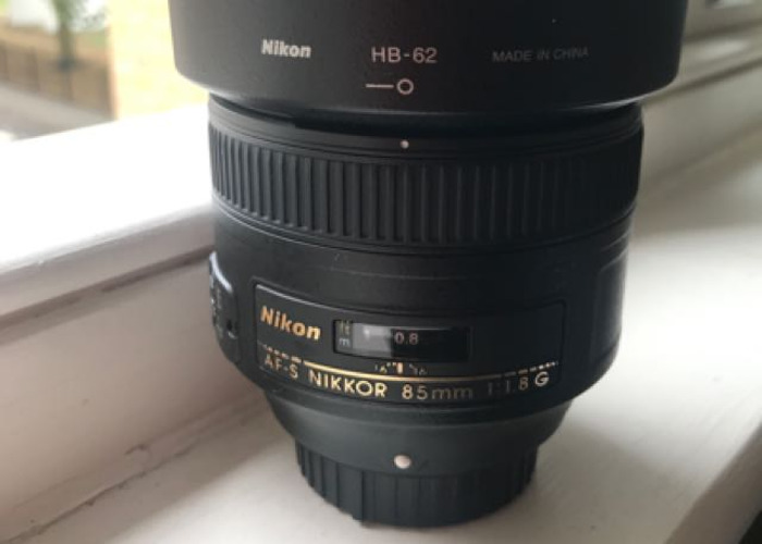 Nikon 85mm F1.8G in AMAZING Condition - 1
