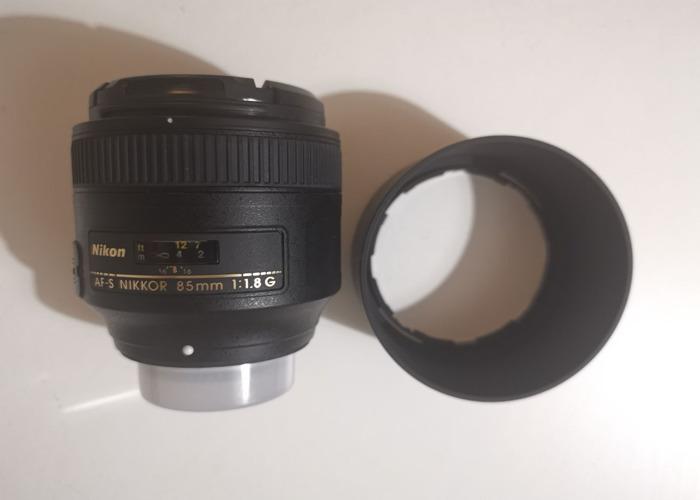 Nikon 85mm FX f1.8 Lens - 2