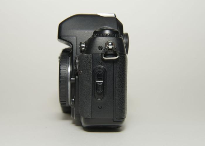 Nikon Automatic FILM SLR CAMERA F100 Body + Nikon MB-15 Battery Grip - 2