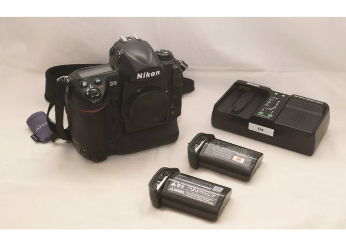 Nikon D3 two batteries and charger - 1