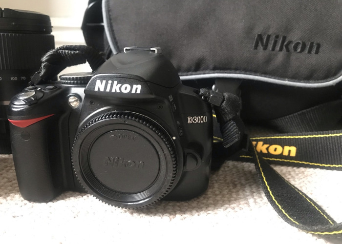Nikon D3000 + 3 Lenses - 2