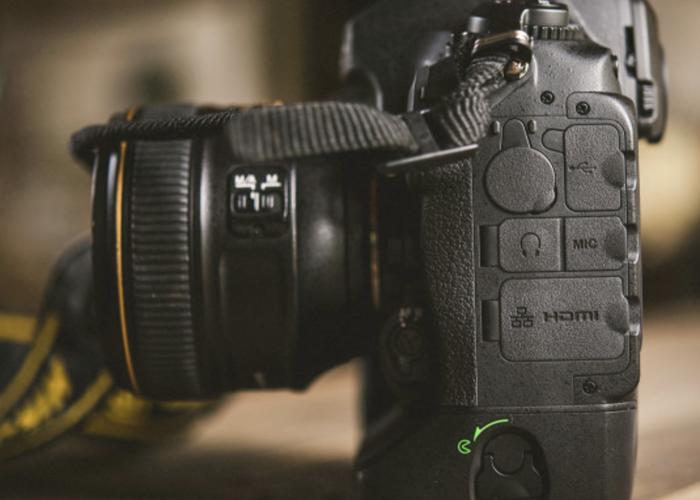 Nikon D5 + 128GB card - 2