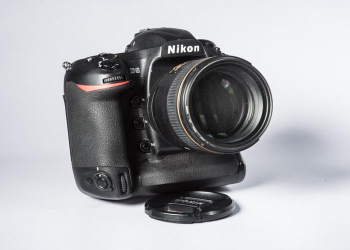 Nikon D5 - Nikons Flagship camera body. Impress your clients. - 1