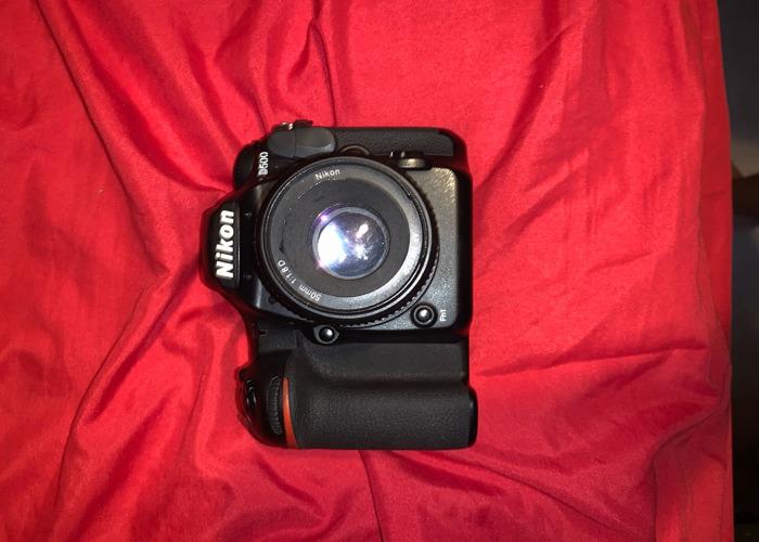 Nikon d500 with nikon 18-200 3.5-5.6 lens - 1