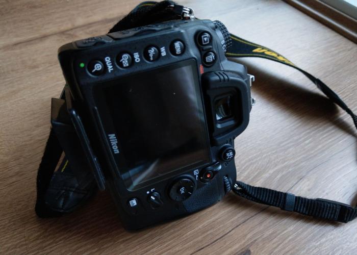 Nikon D7000 Body - 2