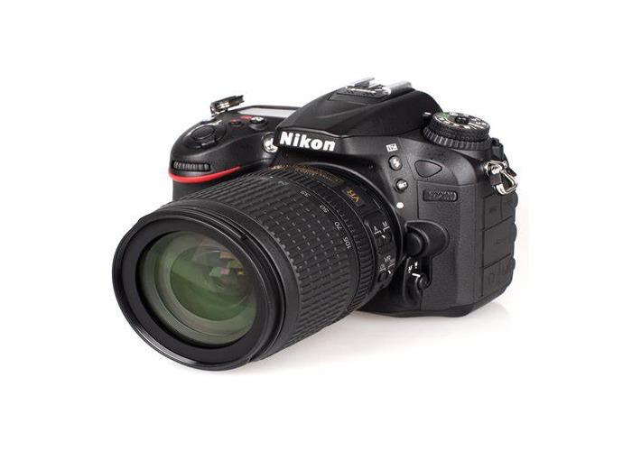 Nikon ds7200 - 1