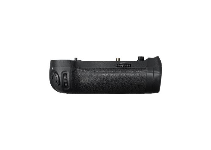 Nikon MB-D18 Battery Grip for Nikon D850 - 1