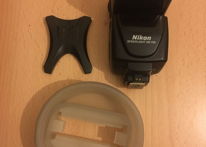 Nikon SB700 - 1