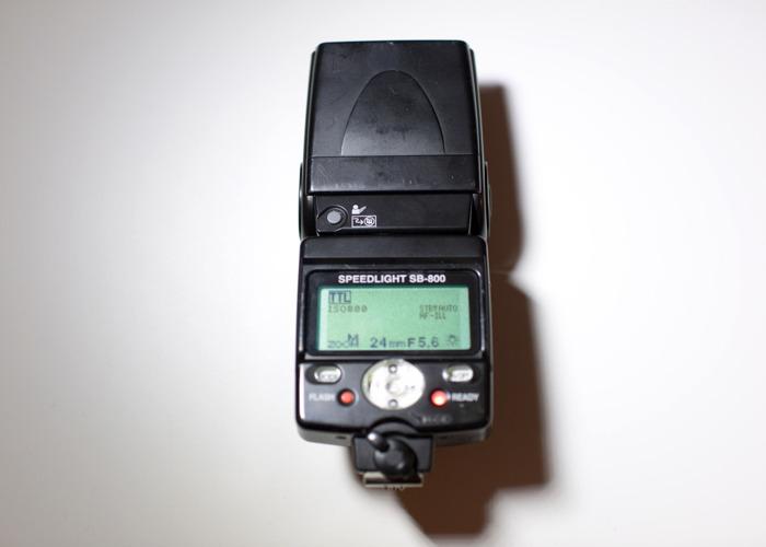 Nikon SB-800 Speedlight - 2