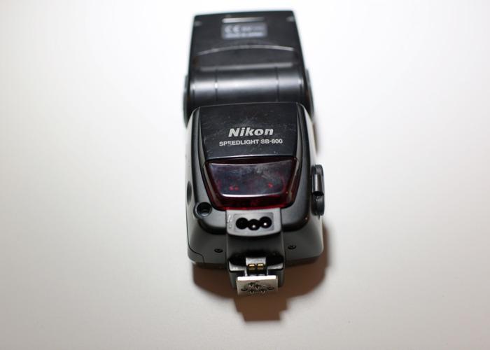 Nikon SB-800 Speedlight - 1