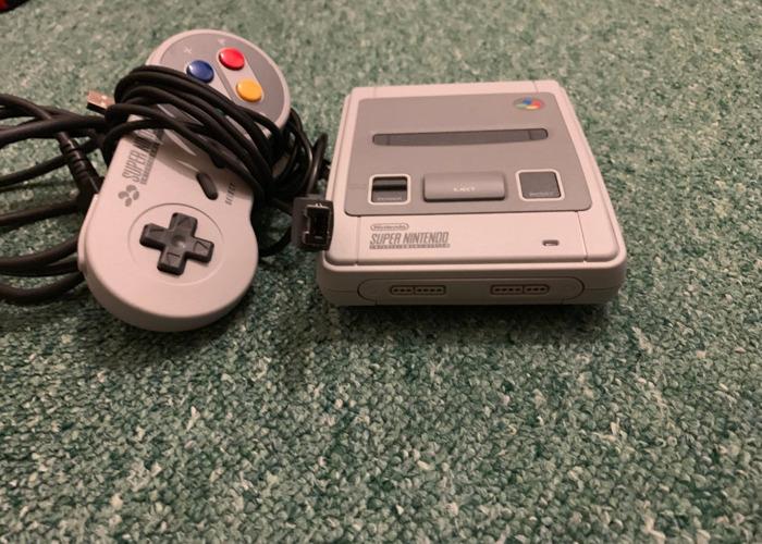 Nintendo Classic Mini Super Nintendo  - 1