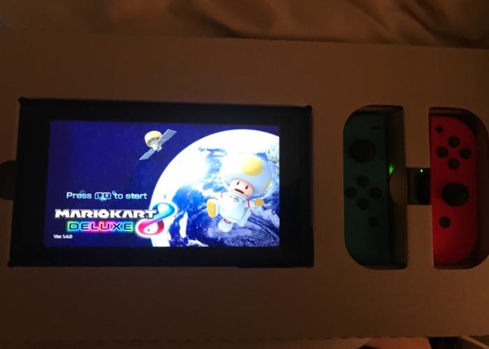 Nintendo Switch + Mario Kart 8 - 1
