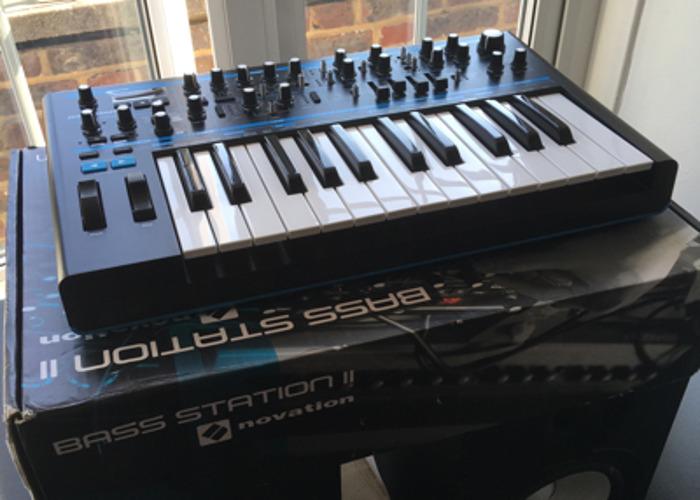 novation bass-station-ii-36623726.jpg