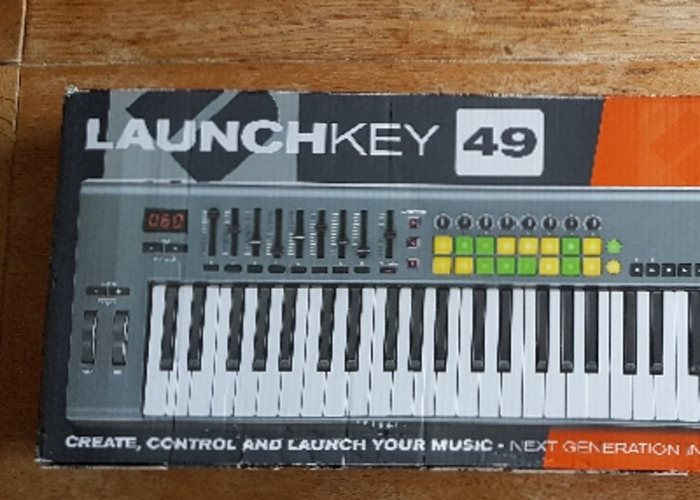 Novation Launch Key 49  - 2