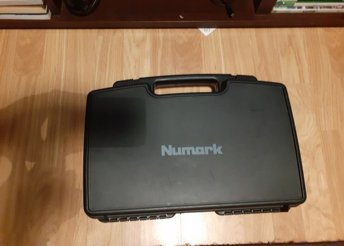 NUMARK WS100 Hands Free MIC (with case) - 2