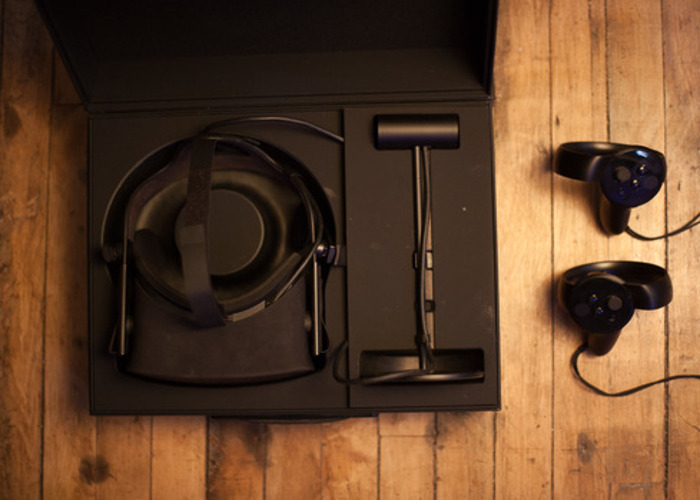 Oculus Rift W/ Touch Controllers - 1