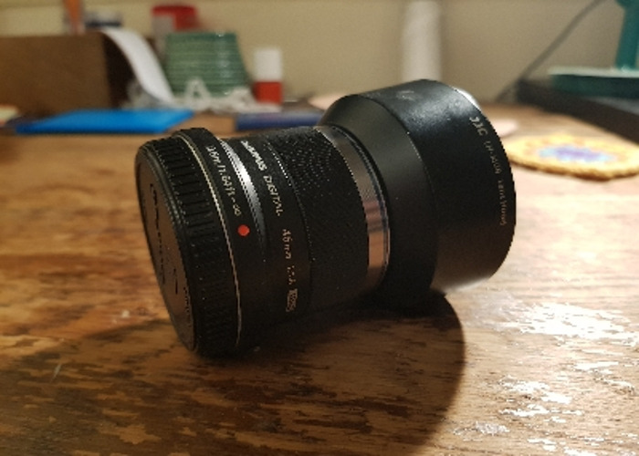Olympus 45mm 1.8 with hood - 1