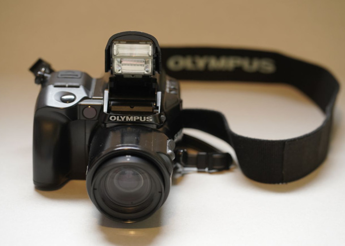 Olympus iS-1000 35mm SLR Power Zoom + Autofocus - 1
