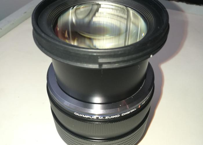 Olympus M.Zuiko Digital 12 -40mm Zoom Lens with Lens Hood - 2