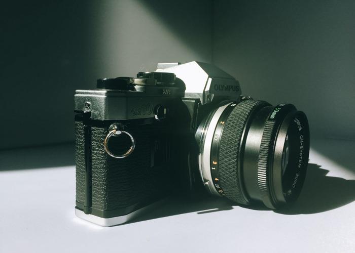 Olympus OM10 + 50 mm 1.8 + Manual Adapter - 2