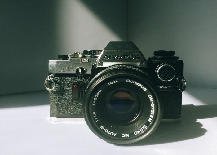 Olympus OM10 + 50 mm 1.8 + Manual Adapter - 1