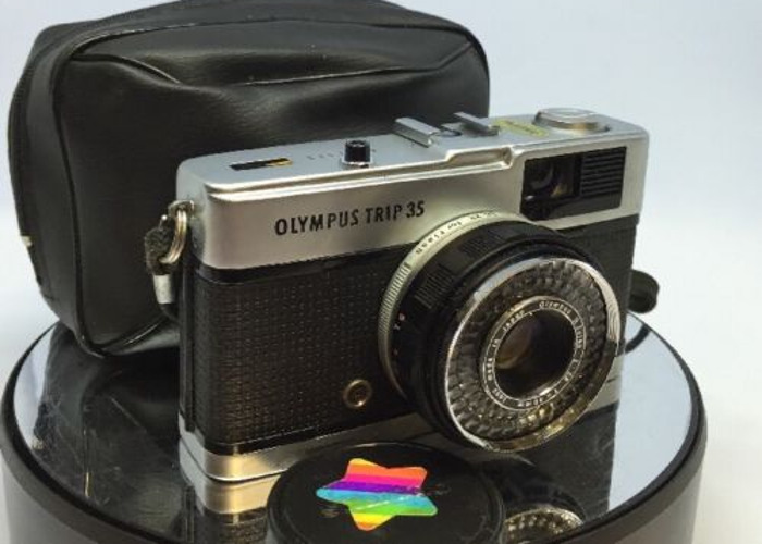 Olympus TRIP 35 Film Compact Camera with Olympus 40mm F2.8 D - 1