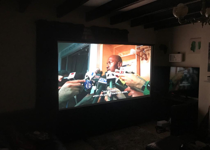 Optoma 3D projector + 3D Glasses + 100inch projection Screen - 1