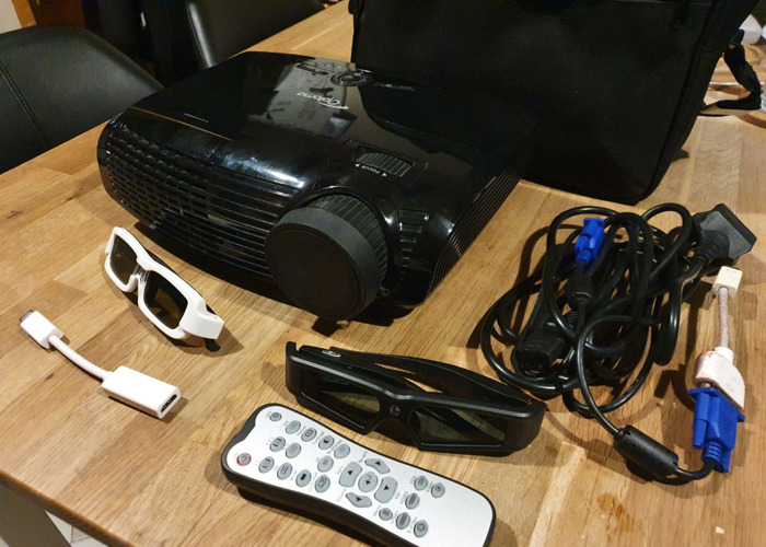 Optoma 3D projector + 3D Glasses + 100inch projection Screen - 2