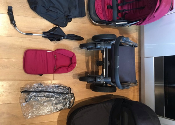 Oyster Pushchair and Carrycot - 1
