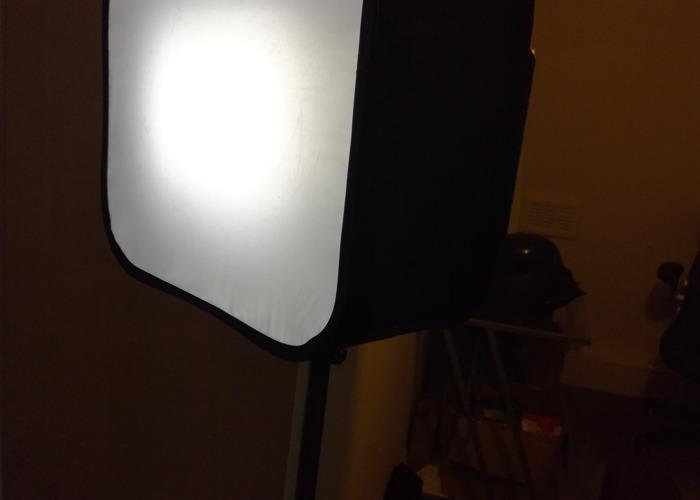 LED lighting kit - 2x YONGNUO YN-600 - 2