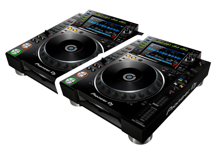 Pair of Pioneer CDJ 2000NXS2 Professional DJ multi player - 1