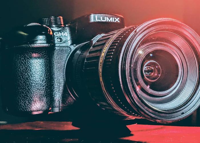 Panasonic GH4 + Viltrox Adapter + Tamron 17 - 50mm f2.8 - 1