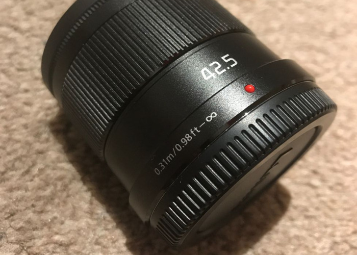 Panasonic LUMIX 42.5mm f1.7 lens - 2