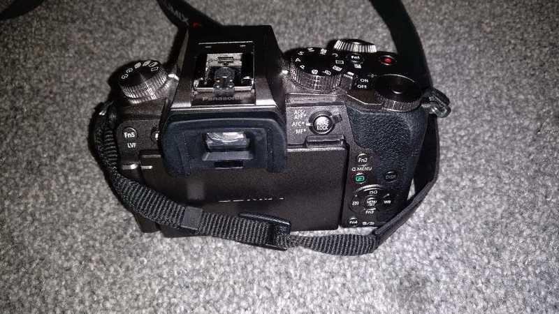Panasonic Lumix G7 Camera with 3 Lenses, Mics and Tripod - 1