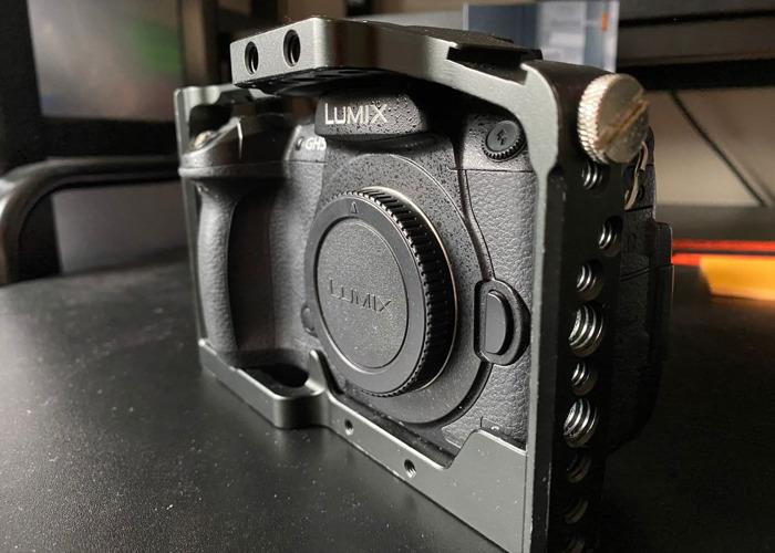 Panasonic Lumix GH5 w/ Smallrig Cage, 3x batteries & charger - 2