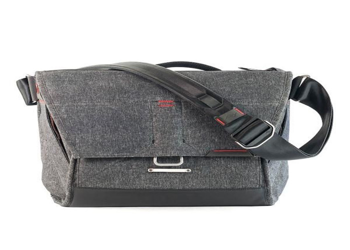 Peak Design Everyday Messenger 13 Bag - Charcoal - 1