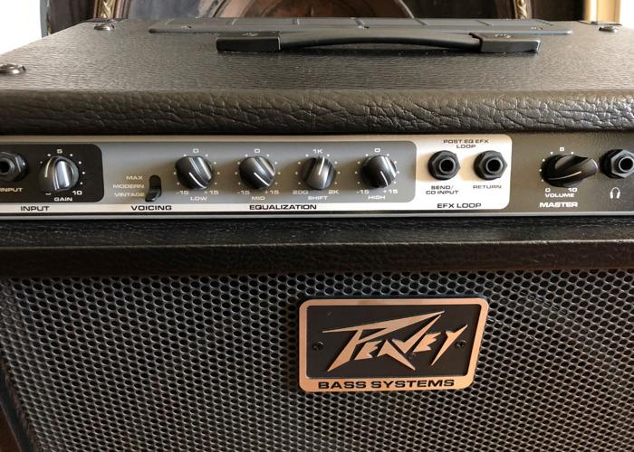 Peavey MAX 115 Bass Combo Guitar Amp - Hugely Versatile - 2